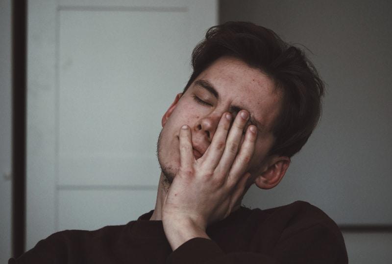 Die Wahrheit Ist, Dass Er Nicht Emotional Zerbrochen Ist – Er Ist Nur Ein Arschloch