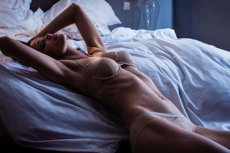 Mädchen in sexy Dessous