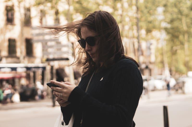 Sexting: 18 Super Sexy Nachrichten, Die Ihn Am Ball Halten