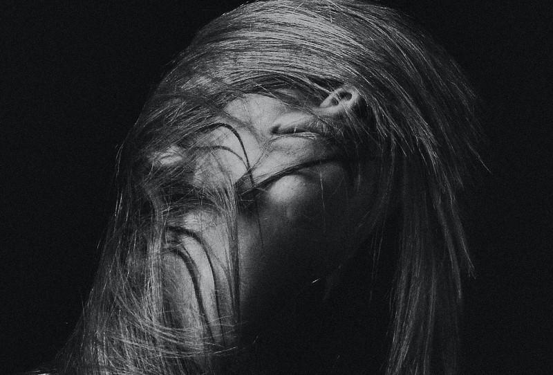 Graustufenfotografie des Frauengesichtes