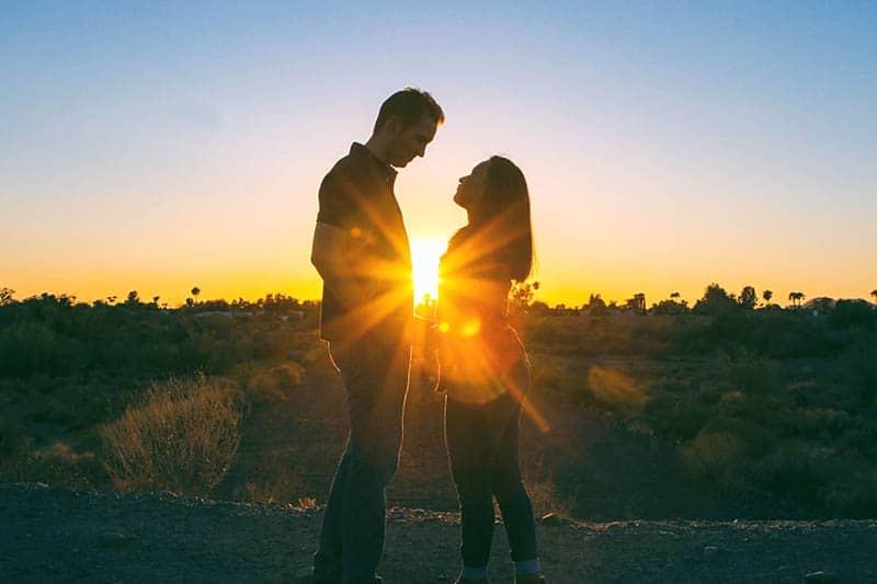 20 Kleinigkeiten, Die Du In Einer Beziehung Für Ihn Tun Solltest