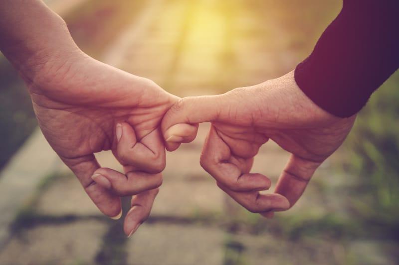 8 Warnsignale, Die Besagen, Dass Du Dich In Einer Vorübergehenden Beziehung Befindest
