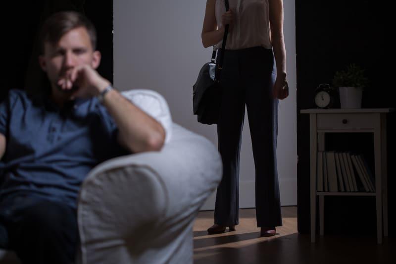Das Mädchen verlässt den Jungen