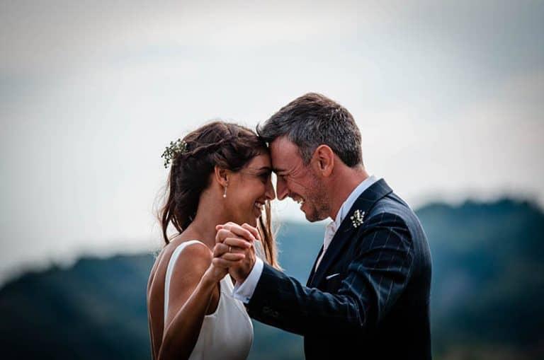 Nur ein Ehepaar bei einem Fotoshooting