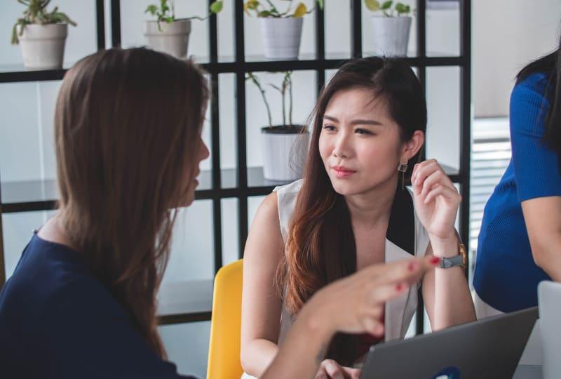 Freunde reden uber Arbeit