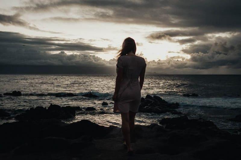 Sie Braucht Dich Nicht Mehr, Weil Du Ihr Beigebracht Hast, Wie Man Alleine Bleibt
