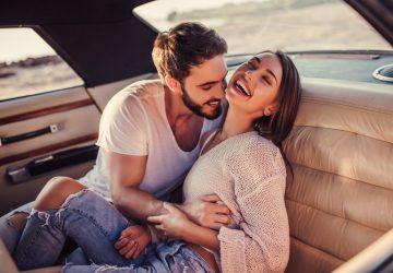 12 Zeichen, Dass Ein Mann In Dich Verliebt Ist (Aber Es Vor Dir Verbirgt)