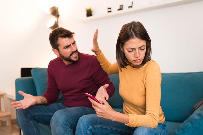 5 Gründe, Warum Ein Narzisst In Einer Beziehung Nicht Lange Aushält