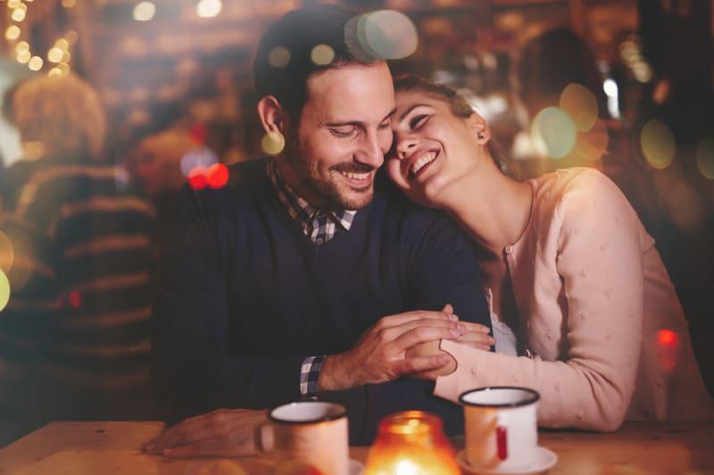 20 Aufregende Und Süße Late Night Date Ideen
