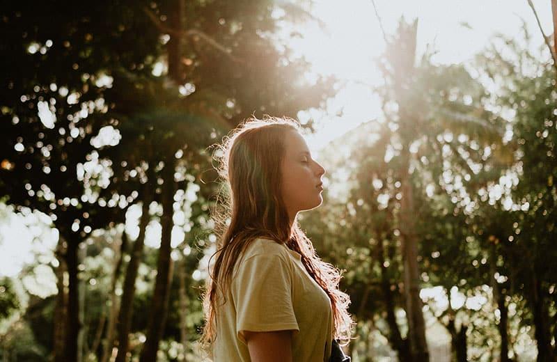 """Die Bedeutung Von """"Lebe Im Sonnenlicht, Liebe Im Mondschein"""" Und Wie Es Dir Helfen Kann, Das Leben Vollständig Zu Genießen"""