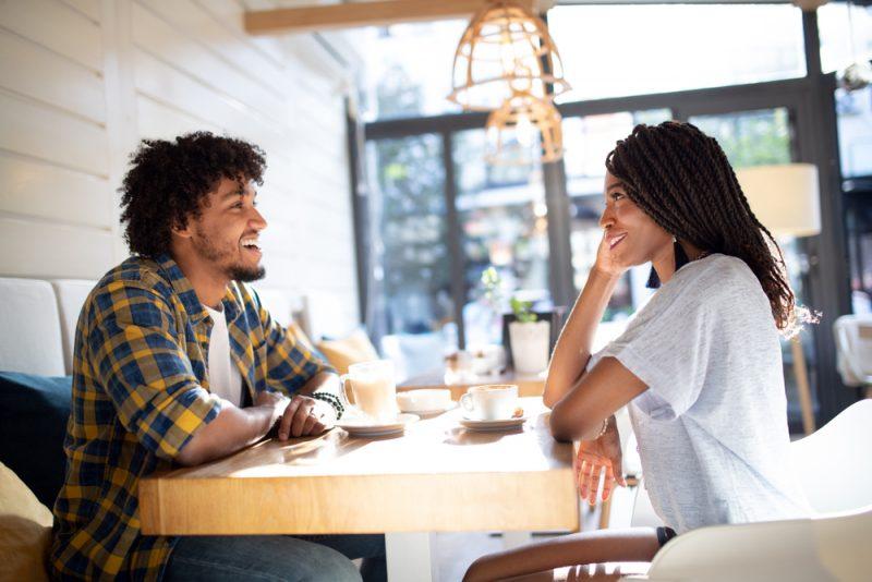 80+ Tiefgründige Fragen, Um Dein Date Wirklich Kennenzulernen
