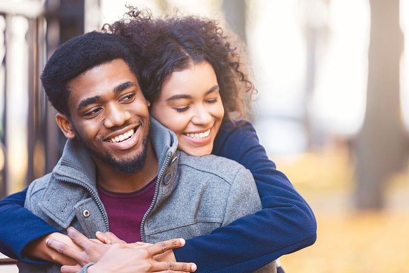 Du Verdienst Diese 6 Dinge, Wenn Er Dich Wirklich Liebt