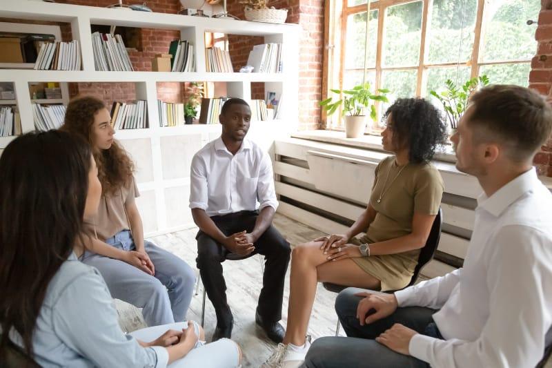Patienten unter Gruppentherapie