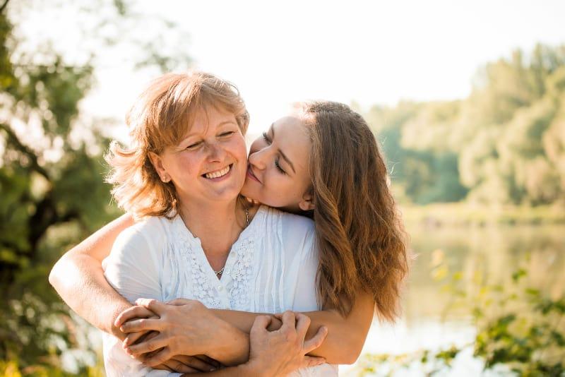 10 Dinge, Die Töchter Von Ihren Starken Müttern Lernen