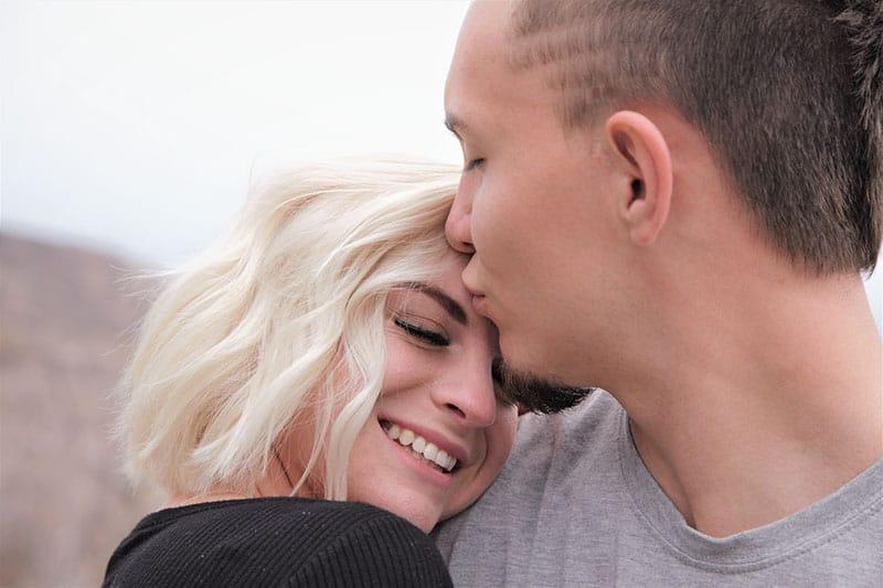 Einen Mann Verliebt Machen - 12 Tipps, Wie Es Bestimmt