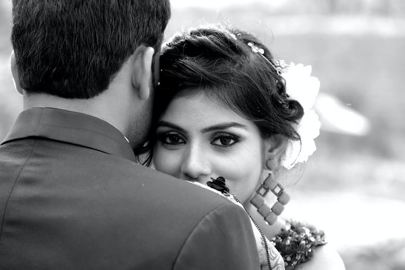 Schwarzweiss-Bild eines Mannes und einer Frau