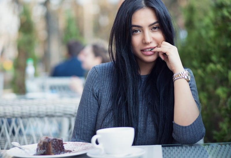 Porträt eines sexy jungen Mädchens