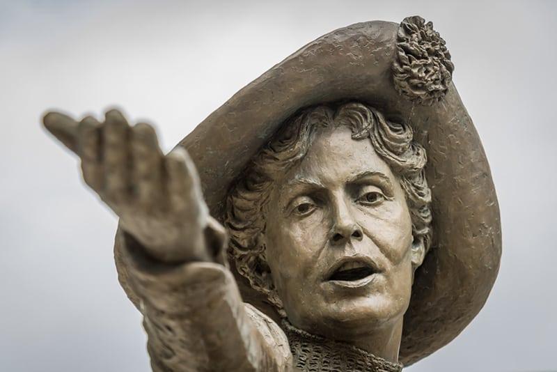 Bronzestatue von Emmeline Pankhurst in Manchester
