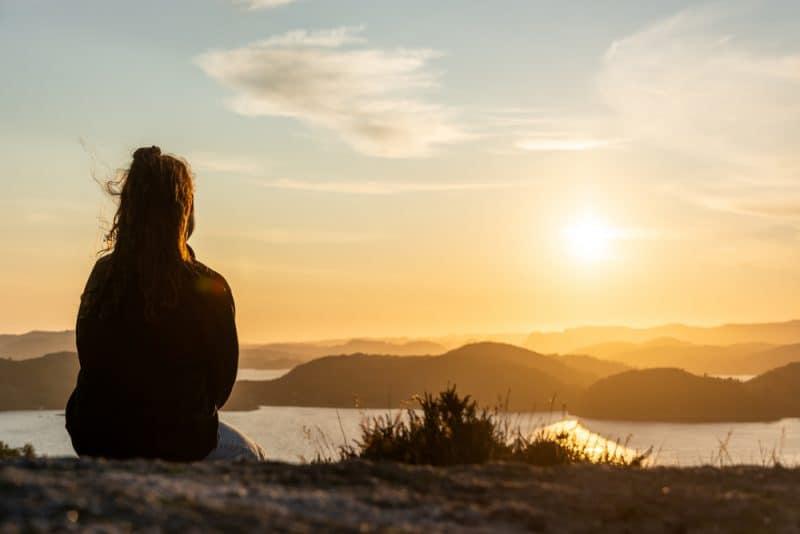 Das Leben Wird Ganz Ruhig, Bevor Sich Alle Türen Öffnen