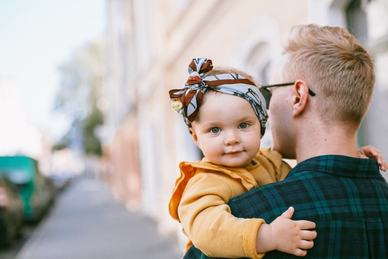 Die Vater – Tochter – Beziehung – Der Erste Blick In Die Männerwelt