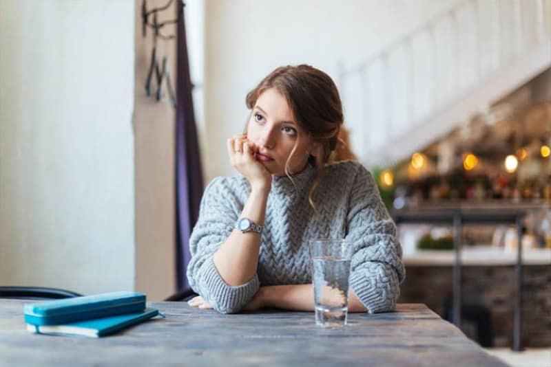 ein imaginäres einsames Mädchen(1)