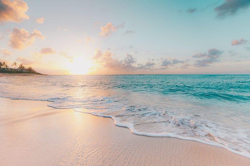 Ozeanlandschaft bei Sonnenuntergang