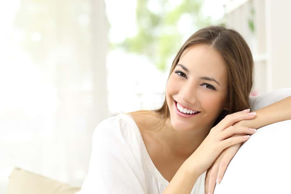 schöne Frau lachen