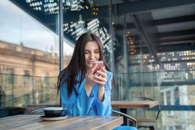 9 Schlechte Texting-gewohnheiten, Wegen Denen Er Das Interesse Verliert