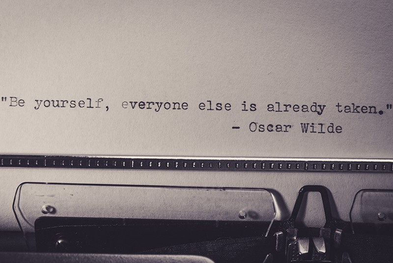 ein Zitat in englischer Sprache auf weißem Papier in einer Schreibmaschine