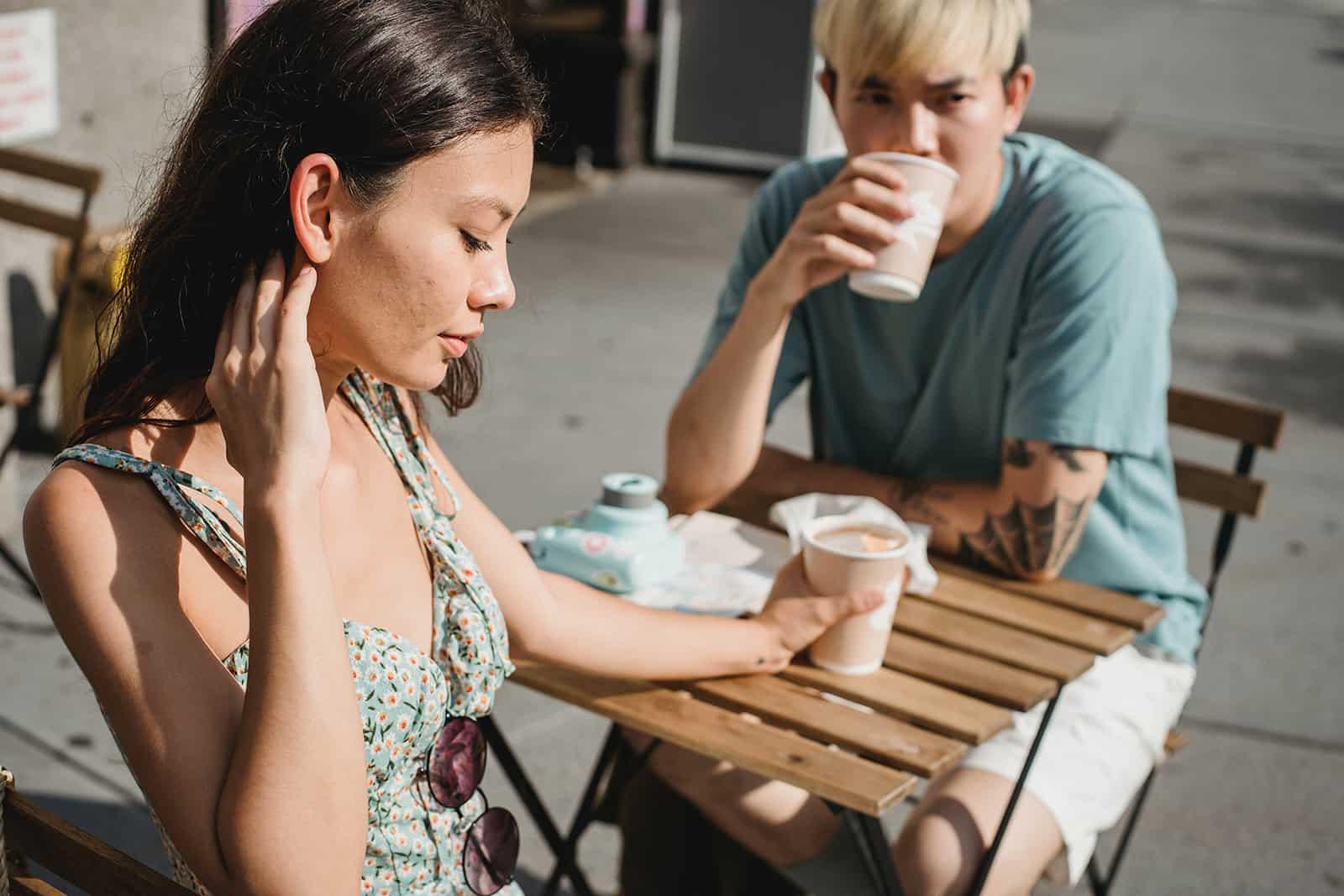 Liebe Oder Gewohnheit: Dünne Linie, Die Jede Beziehung Infrage Stellt