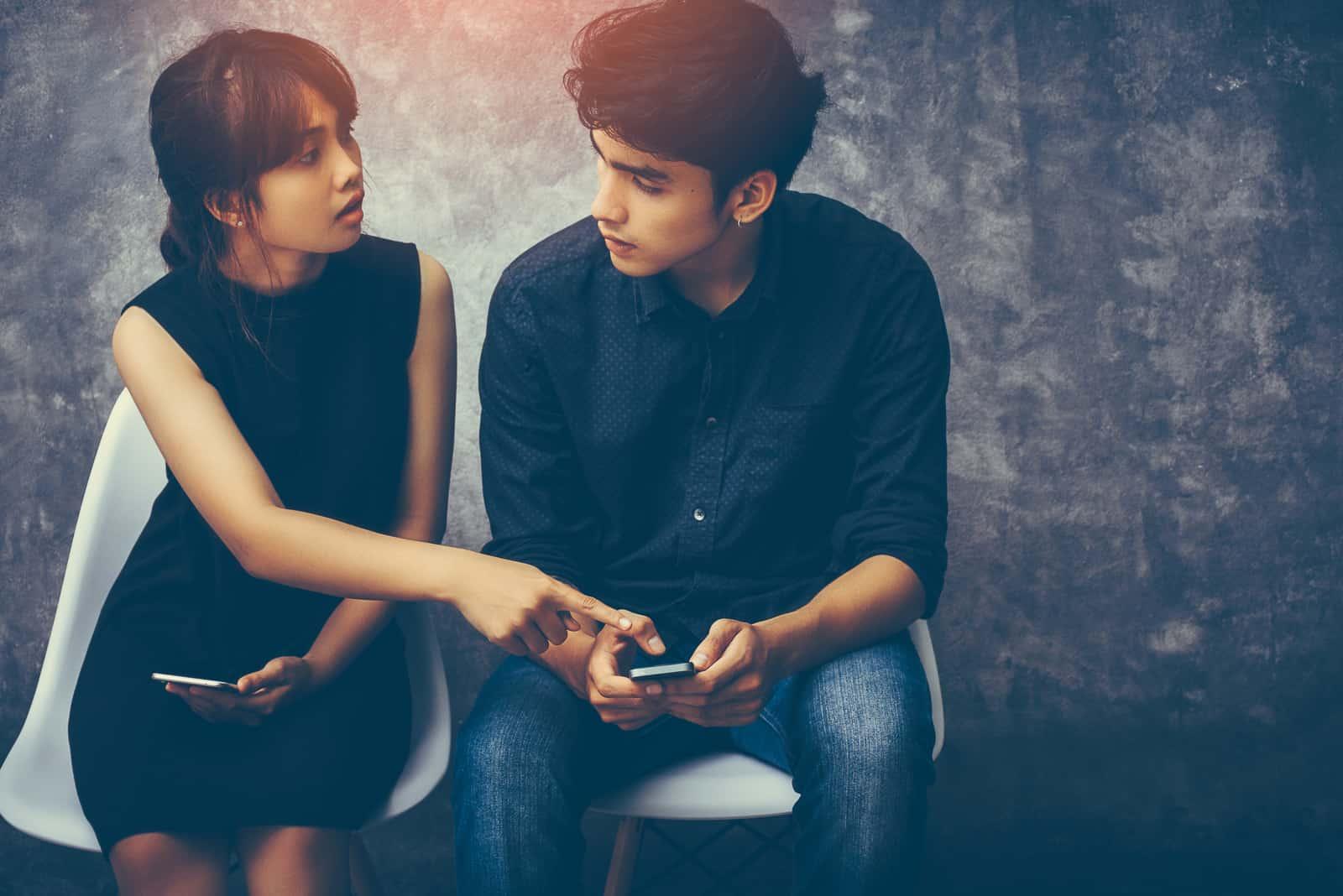 ein liebendes Paar streitet