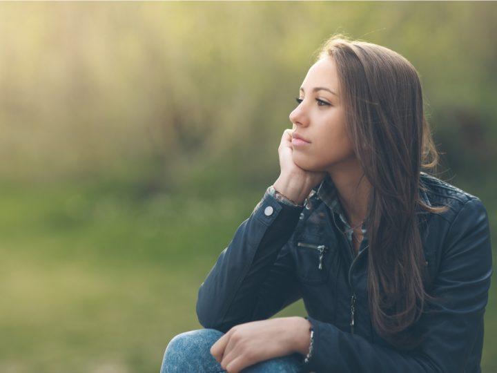 Psychische Belastung einer Fernbeziehung: Symptome & Auswirkungen