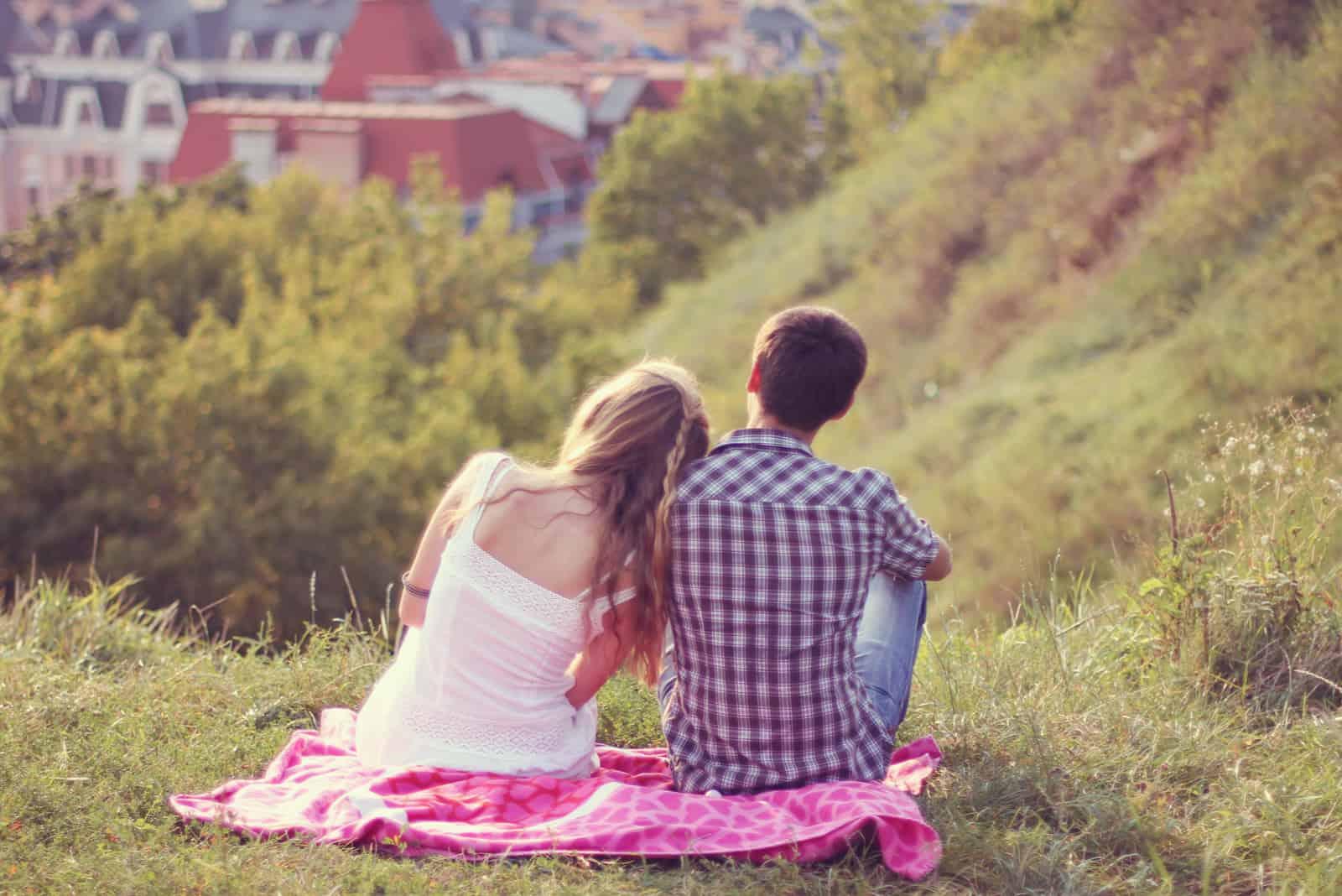 Ein junges Paar bei einem Date