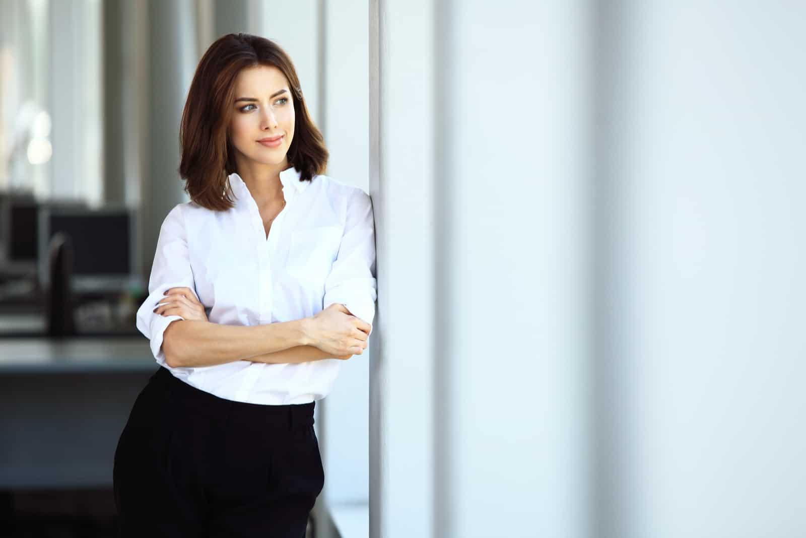 Moderne Geschäftsfrau im Büro
