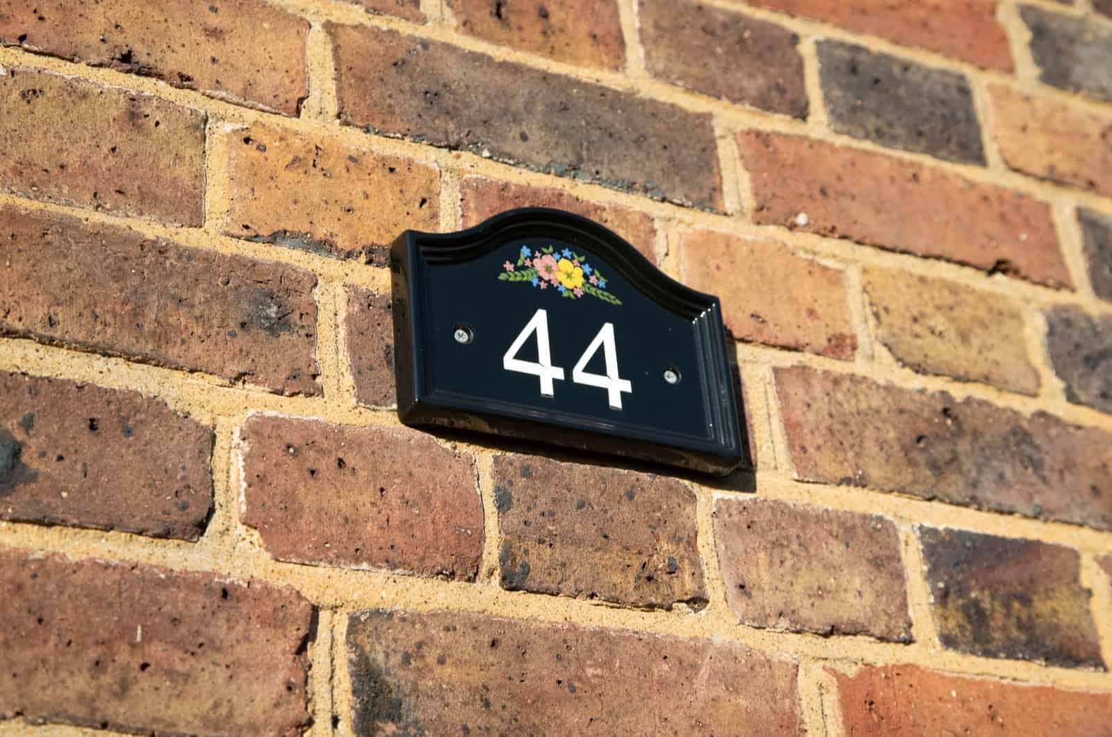 44 als Hausnummer