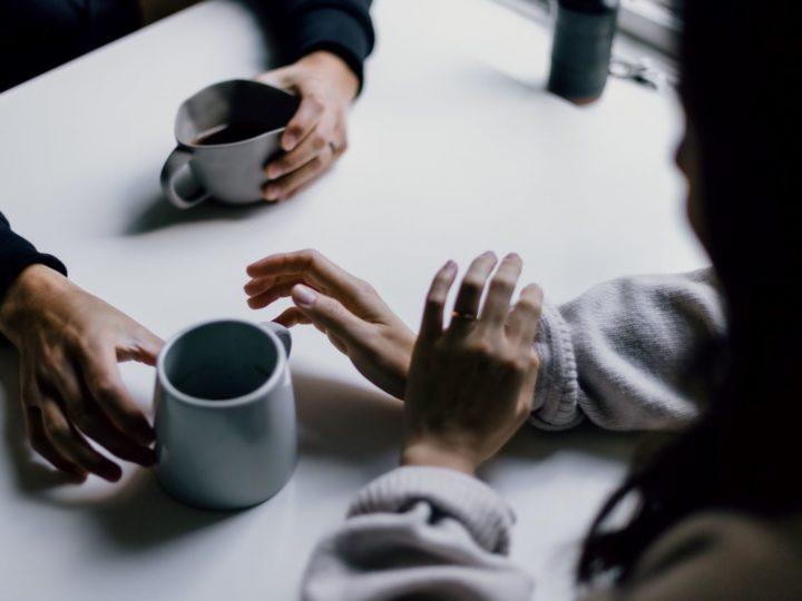 Kommunikationsverhalten von Narzissten – 10 Tipps für ein gelungenes Gespräch!