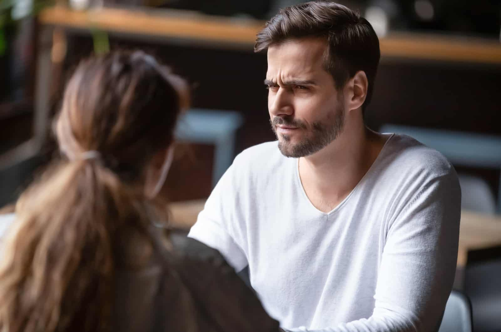 unglückliches Paar während eines Streits